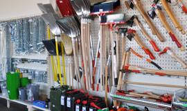 Shop-