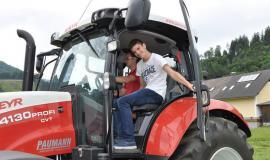 Präzisions-Landtechnik macht Schule-